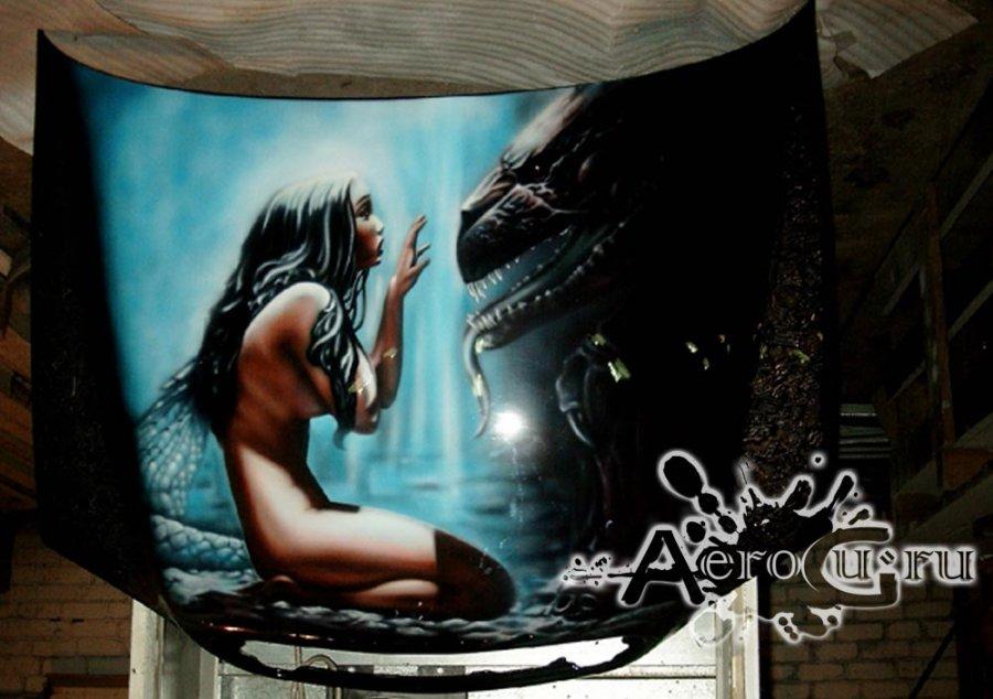 Аэрография Девушка и Дракон на капоте